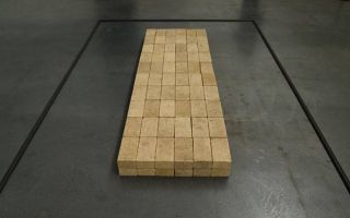 "【Art or Not】邀请你来猜:两堆""砖头""哪个才是真正艺术品"