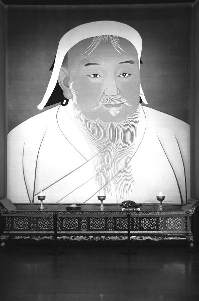 """蒙古族家具博物馆镇馆之宝:手工栽绒艺术挂毯""""成吉思汗像"""""""