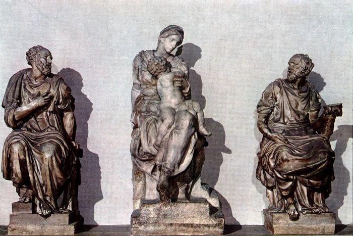 圣·科斯马斯和圣·达米安之间的美第奇圣母子 米开朗基罗