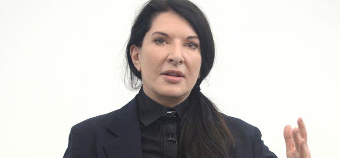 阿布拉莫维奇被前男友起诉 争夺联合作品署名权