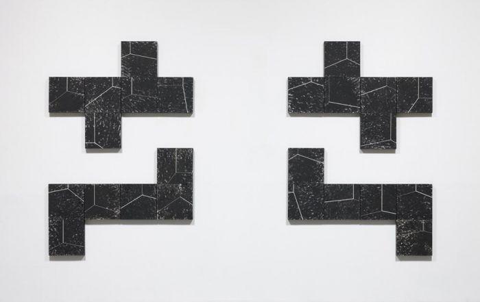 <p><p>暗默 I, II, III, IV, 2014 布面黑色石膏粉, 各90 x 120 厘米</p></p>