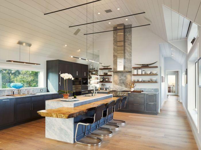 住宅里厨房和饭厅的开放式设计