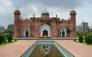 为了盖停车场 孟加拉三百年古城墙被毁