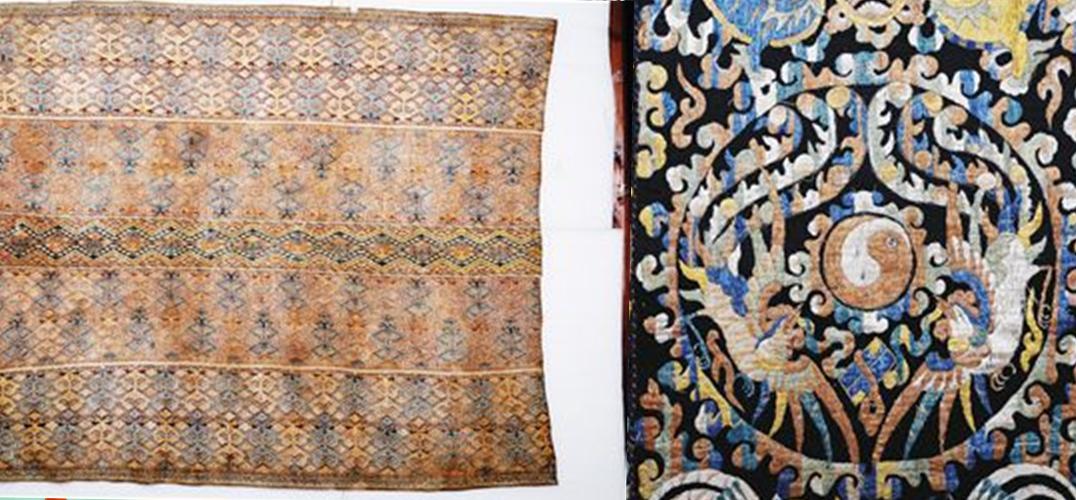 清代人纹图五联幅龙被海南省民族博物馆藏 民族文物是海南文物中的一大特色,在民族文物中,黎锦又是其最丰富与最具特色的文物,而黎锦中龙被则又为其佼佼者。在海南省第一次全国可移动文物普查中,我们在各市县的普查中发现了许多珍贵的龙被,在这些众多的龙被中,海南省民族博物馆收藏的一幅清代双凤朝阳双狮戏球图三联幅龙被,堪称为其代表作。 珍藏于海南省民族博物馆的这幅清双凤朝阳双狮戏球图三联幅龙被,质地为棉,通高为188公分,通宽为127公分,共由三幅组成。其底布为藏青色,整幅龙被构图饱满,色彩丰富而协调,在一片金碧辉煌