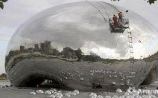 英国艺术家卡普尔指克拉玛依油泡雕塑涉嫌抄袭