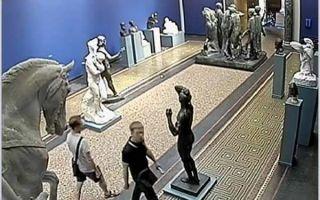 价值30万美金罗丹雕塑光天化日被盗