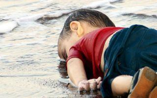 全球艺术家的悲恸:像阿兰这样的孩子不应该如此死去