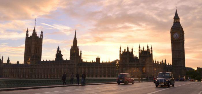 英国政府告诫公众:大本钟不是广告牌