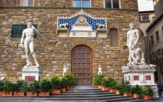 杰夫·昆斯是否能给意大利最古老的艺博会注入新活力?