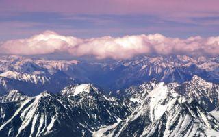 想登珠峰要趁早:尼泊尔考虑谢绝老幼病残