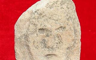 """中国史前最大城址发现:墙上长""""眼睛""""雕""""人面"""""""