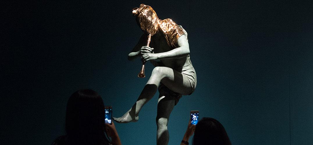 心灵的外衣:安娜·高美雕塑艺术展