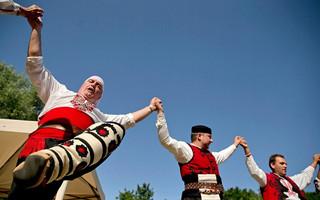 感受不一样的风俗人情:保加利亚的红色婚礼