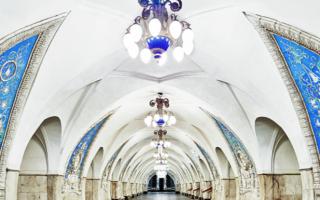 人民的宫殿:莫斯科地铁的华丽是为了表现光明的未来