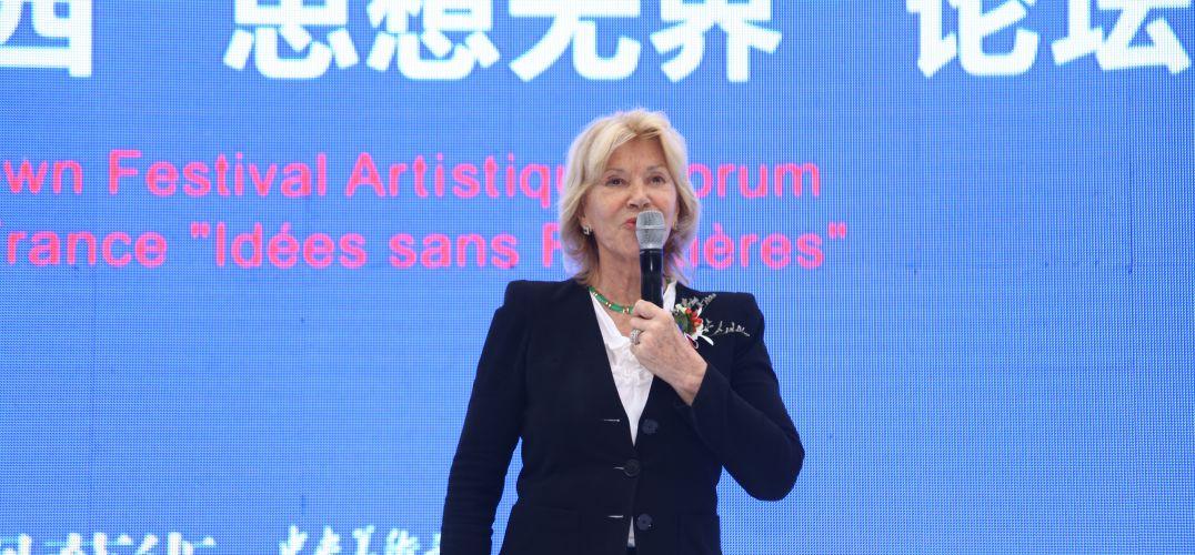 欧洲著名雕塑家安娜·高美:我被中国人的谦和所感动