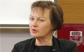 Sarah Wilson获AICA艺术批评特别贡献荣誉奖