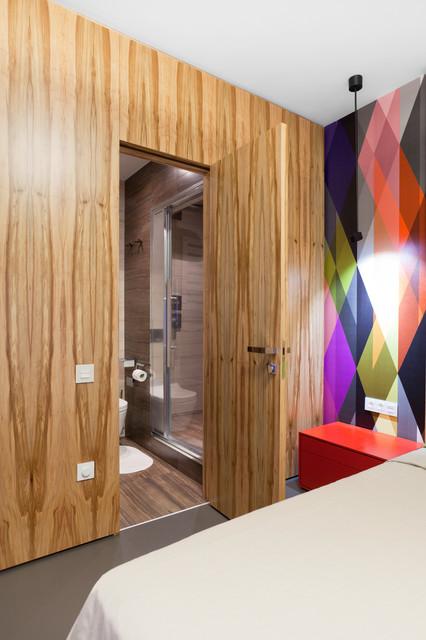 墙面装饰木板也是门板