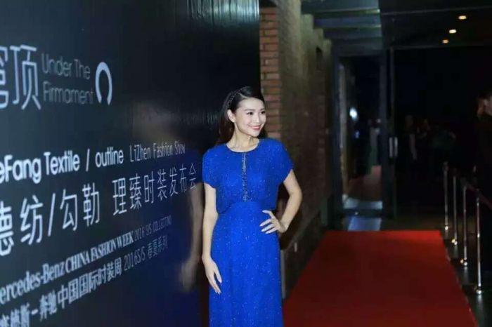 中国服装设计师协会主席李当岐先生,副主席张庆辉先生,时装周组委会