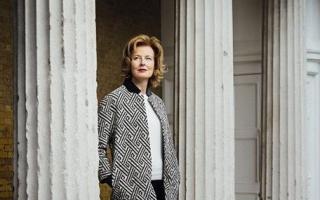 蛇形画廊联合总监朱莉亚·佩彤-琼斯将于2016年卸任