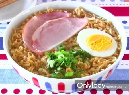 你以为宫崎骏是动画大师 其实他是个美食家