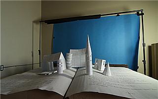 有人用《哈利·波特》的书页 搭起一座魔法城堡