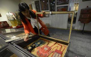 百年老湘绣长沙展出 150余件清代精品亮相