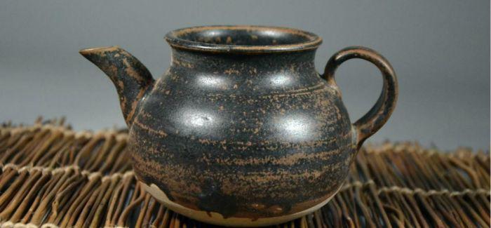 乾隆皇帝对紫砂茶器极为推崇