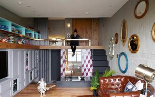 两个人与一堆玩具的创意小基地 台北万里15坪公寓
