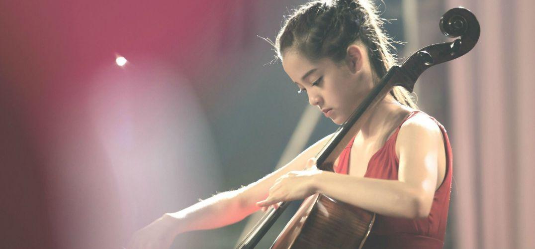 欧阳娜娜签约环球音乐 推大提琴专辑《15》