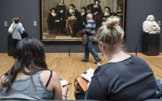 用素描记录艺术:荷兰国立博物馆为培养游客欣赏能力出新招
