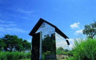 艺术与自然的共生:在日本郊区的梦幻作品