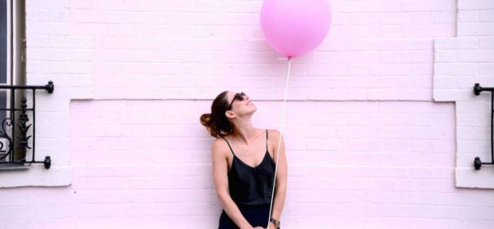 遇见粉红气球女郎Anna Dawson