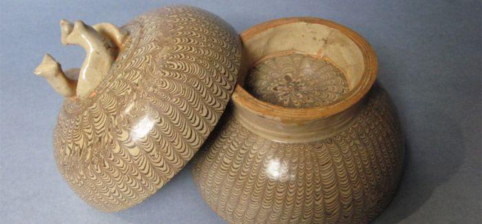 古朴典雅绞胎瓷