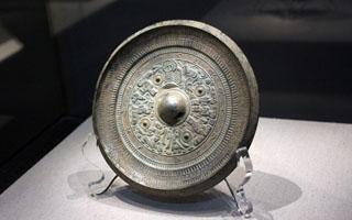 """""""凤凰·艺术沙龙""""刘东讲古代铜镜的收藏"""
