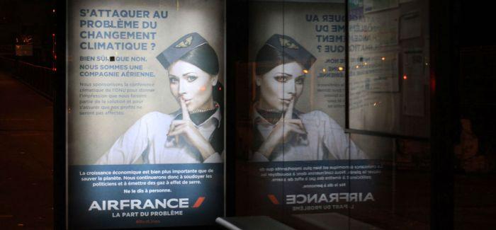 这个巴黎民间组织劫持了满大街大公司的广告