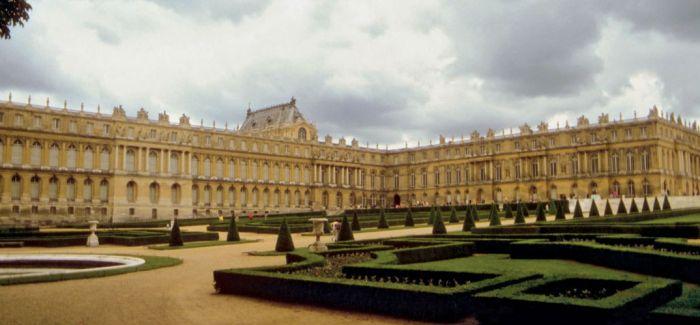 当代艺术绽放于古老的宫殿 古与今超越时空的爱恋