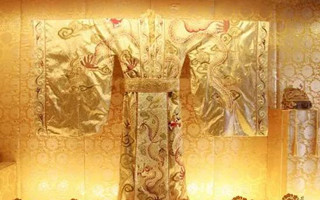 皇帝龙袍里面到底隐藏着什么秘密
