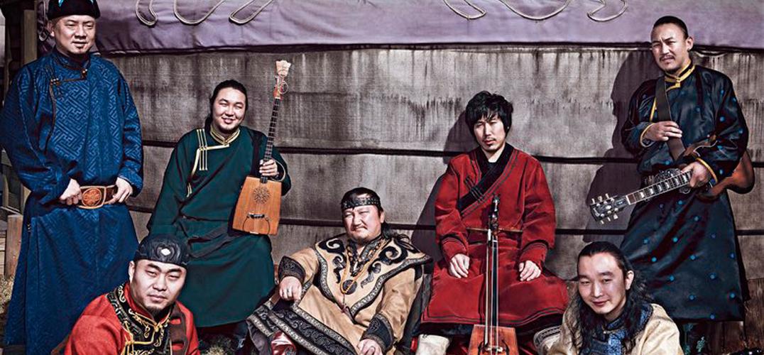 13世纪蒙古人西征有了弦乐和口弦琴(马头琴前身) ,包括朝尔合唱,在