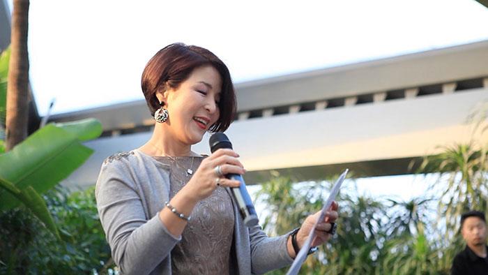 韩国驻华经济公使朴银夏女士