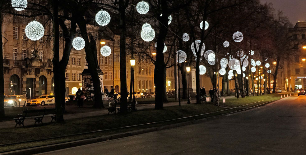 欧洲最美圣诞街景 慕尼黑街头的梦幻蒲公英