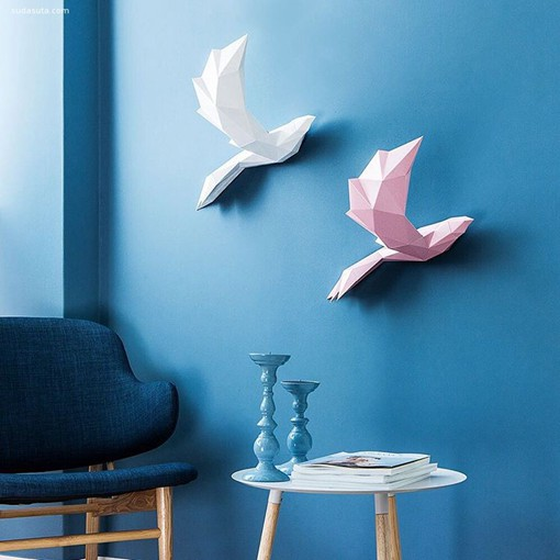 """分享来自韩国PAPA的立体动物纸艺雕塑设计作品。不要小看它们哦,让原本呆板的墙面变得更生动立体,富有活力了呢。另外,PAPA的名字来源于""""Play Art. Polygon Art""""。 说到纸艺设计,且看《季未燃JiweiJW原创时尚服装手工纸艺设计作品》"""