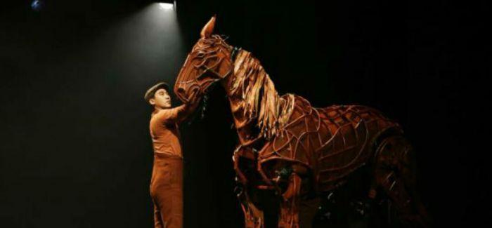引进《战马》——中国戏剧的一次新洋务运动