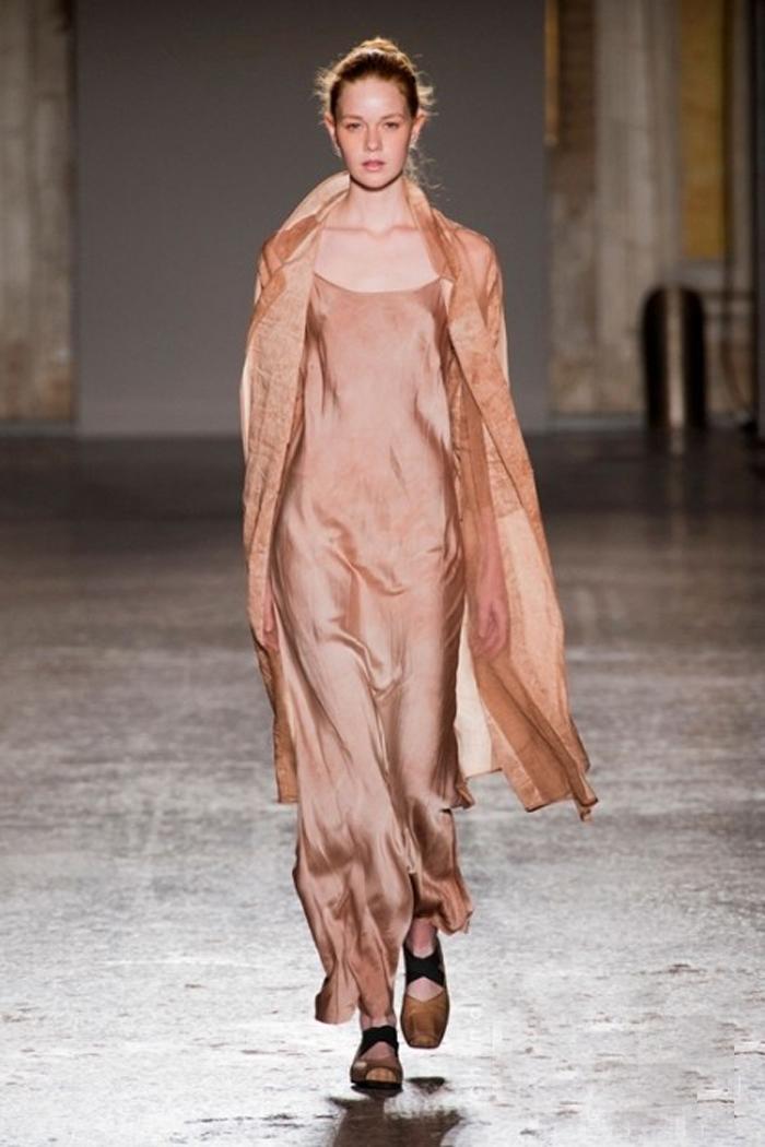 uma说因为芭蕾和服装设计有着相似的情感.