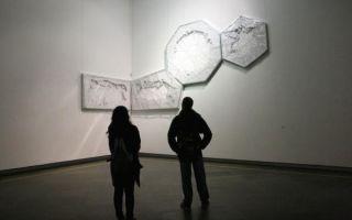 前几年过百万现在二三十万 当代艺术为何价格暴跌?