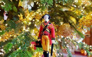 英国人真会玩 这次温莎城堡变身成了圣诞乐园