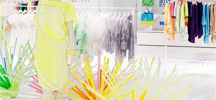 在箱包展示时用上100种颜色 会更吸引你吗?