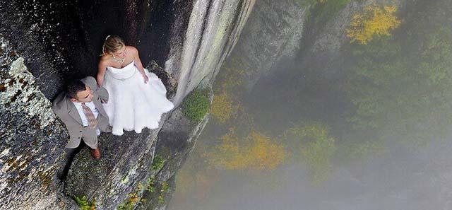 危险的浪漫 摄影师JAY PHILBRICK在悬崖拍婚纱