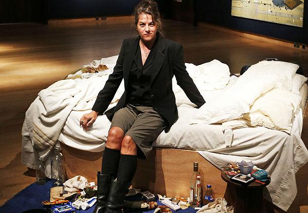 翠西·艾敏与《我的床》 图片: via Portland Press Herald