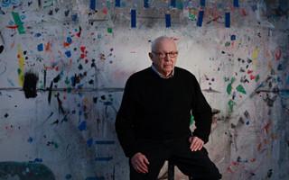 著名美国艺术家埃斯沃兹·凯利去世 享年92岁