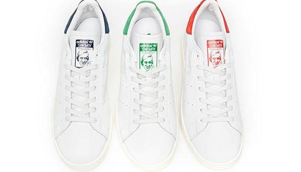 五孔小白鞋鞋带系法步骤图